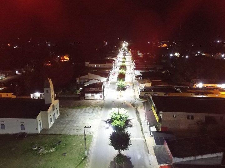 Nova iluminação de LED transforma a Avenida JK